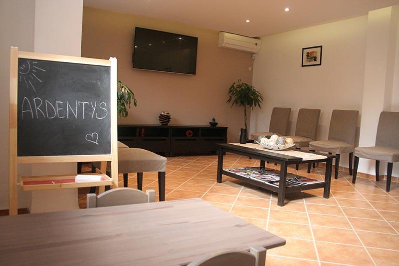 Clinique à Alger : salle d'attente