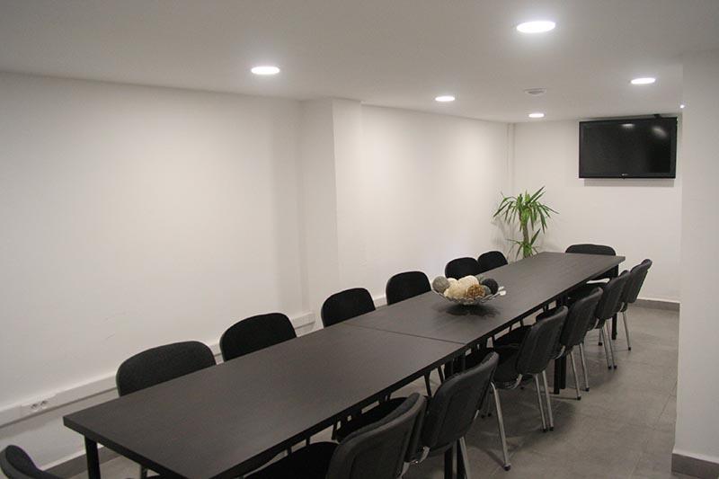 Clinique à Alger : salle de conférence