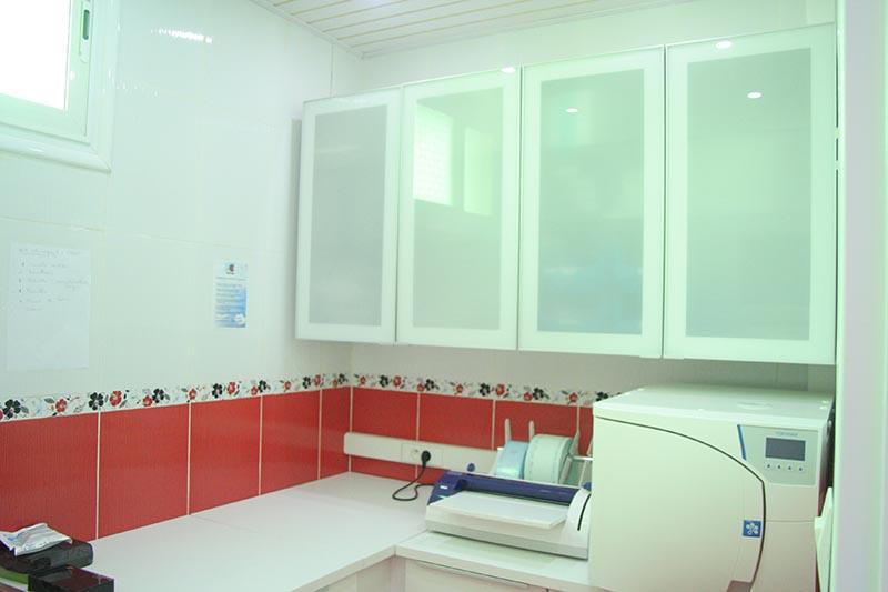 Clinique à Alger : salle de stérilisation deux